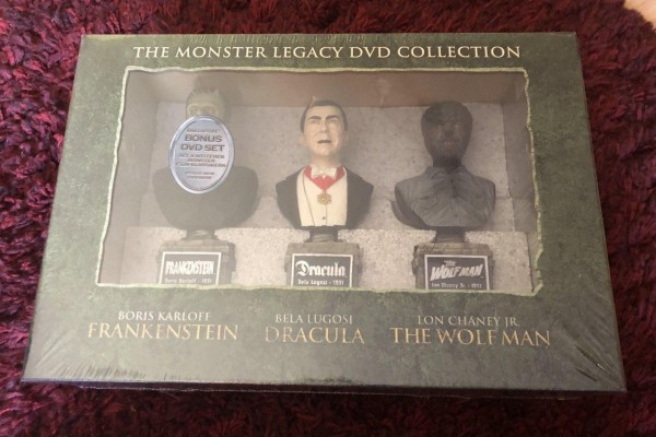 The Monster Legacy DVD Collection: 18 Filme + 3 Deko-Büsten